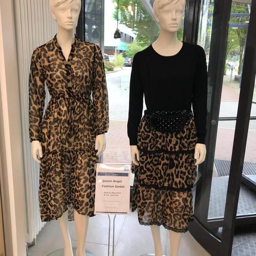 Abbildung: lusenkleid mit Leopardenmuster in Braun